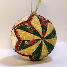 Christmas Patchwork, Quilted Christmas Ornaments, Christmas Cover, Fabric Ornaments, Hand Painted Ornaments, Ornaments Design, Primitive Christmas, Christmas Tree Decorations, Handmade Christmas