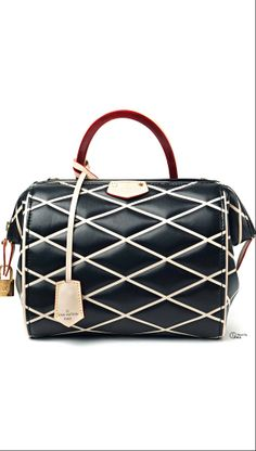 7b5e4cc34a8b 188 Best Bags to Finish the Look images