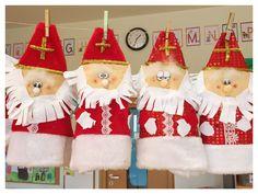 Santa Claus saint nicolas nikolaus sinterklaas December Holidays, Christmas Stockings, Christmas Ornaments, Theme Noel, Saint Nicholas, Reno, Christmas Time, Kindergarten, Saints