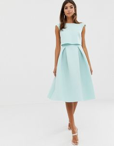 Browse online for the newest ASOS DESIGN fold back crop top midi prom dress styles. Cocktail Bridesmaid Dresses, Prom Dresses, Costume En Lin, Embellished Crop Top, Robes Midi, Mint Dress, Prom Dress Shopping, Cropped Tops, Different Dresses