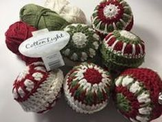 How to cover your old Christmas baubles in crochet and transform the look of your Christmas tree! These are for 60 mm and 80mm baubles (I said 6 and 8 mm!! Duhh!!). Crochet, Christmas, Crochê, Christmas,