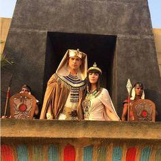 """Pharaoh and Nefertari. """"Os Dez Mandamentos"""" (2015)"""