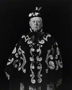 Queen Victoria, 1999, Hiroshi Sugimoto, gelatin silver print. Courtesy of Fraenkel Gallery, San Francisco. © Hiroshi Sugimoto