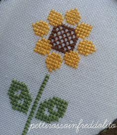Cross Stitch Bookmarks, Cross Stitch Cards, Cross Stitch Borders, Cross Stitch Rose, Cross Stitch Flowers, Modern Cross Stitch, Counted Cross Stitch Patterns, Cross Stitch Designs, Cross Patterns