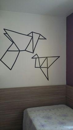 Tsurus (Meu Quarto) Arte com fita isolante.