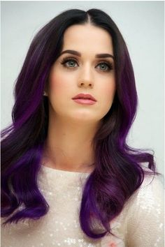 Dark Purple Hair Color Ideas dont like Katy perry but I like this hair color Check out the website to see Celebrity Hairstyles, Trendy Hairstyles, Bob Hairstyles, Dark Purple Hair Color, Purple Ombre, Purple Highlights, Outfit Trends, Pink Hair, Ombre Hair