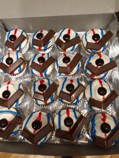 Hockey Cupcakes By Carlys Cakes