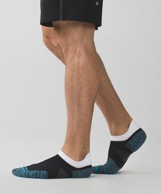 There lightweight running socks with anti-stink technology were designed to support you (and your tootsies) during your sweatiest workouts.