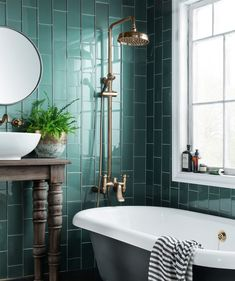 Speculo™ Forest Green Glass Tile | Topps Tiles