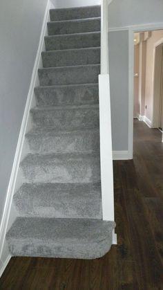 Cost Of Carpet Runners For Stairs Grey Carpet Hallway, Grey Carpet Living Room, Wall Carpet, Diy Carpet, Carpet Stairs, Carpet Ideas, Carpet Decor, Silver Grey Carpet, Beige Carpet