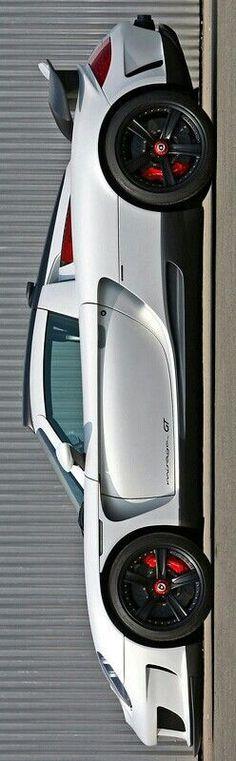 Porsche Carrera GT Gemballa Mirage GT Carbon Edition $1,000,000 by Levon - https://www.luxury.guugles.com/porsche-carrera-gt-gemballa-mirage-gt-carbon-edition-1000000-by-levon/