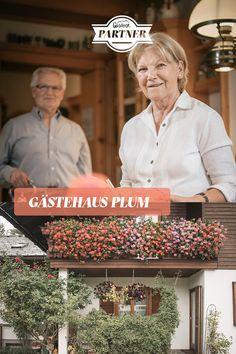 Direkt vor den berühmten Haller Mauern befindet sich der #Gesäusepartner und das familiär geführte Gästehaus Plum.  #österreich #steiermark #gesäuse #gibtkraft Foto: Stefan Leitner Chef Jackets