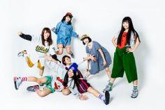 lyrical school (左からami、ayaka、minan、mei、yumi、hina)