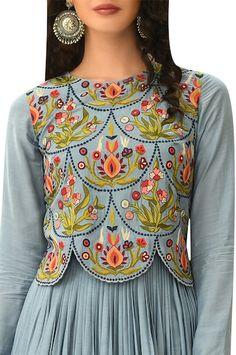 Buy Embroidered scallop bodice anarkali kurta by Rishi and Soujit at Aza Fashions Fancy Dress Design, Stylish Dress Designs, Designs For Dresses, Stylish Dresses, Indian Fashion Dresses, Indian Designer Outfits, Indian Gowns, Abaya Fashion, Man Fashion