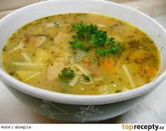 Selská polévka s nudlemi Czech Recipes, Ethnic Recipes, Bon Appetit, Cheeseburger Chowder, Gluten Free Recipes, Thai Red Curry, Food And Drink, Eat, Cooking