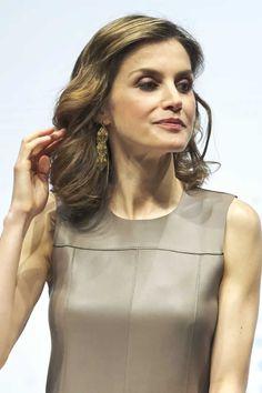 Queen Letizia Drop Earrings