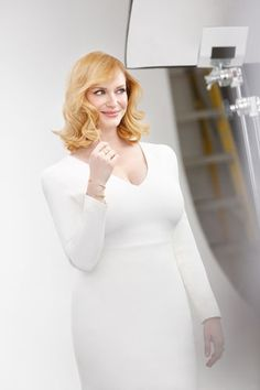 Love Mad Men's Christina Hendricks' new strawberry blonde color!