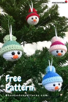 Free Snowman Baubles from Ling Ryan / Hooked On Patterns - Click through to make these for next Christmas #Xmas #Christmas #Crochet Snowman Christmas Decorations, Christmas Bunting, Crochet Christmas Ornaments, Christmas Crochet Patterns, Christmas Knitting, Christmas Snowman, Christmas Crafts, Crochet Snowman, Modern Crochet Patterns