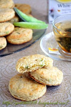 Candied pomelo scones: Recipe via 'Gastronom' magazine, photo by Julia Ataeva of 'Перлы от La Perla' blog #recipe #scone #laperla