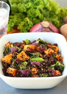 Quinoa Salad with Sweet Potatoes. Quinoa Salad with Roasted Sweet Potatoes Kale Dried Cranberries & Red Onion Quinoa Sweet Potato, Salad With Sweet Potato, Roasted Sweet Potatoes, Red Onion Recipes, Cranberry Recipes, Cranberry Salad, Quinoa Salat, Vegetarian Recipes, Healthy Recipes