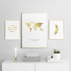 Large gold poster with feather in white frame to a modern decor. - Home - Pictures on Wall ideas Desenio Posters, Gold Poster, Diy Décoration, New Room, Picture Wall, Home And Living, Living Room, Modern Decor, Room Inspiration