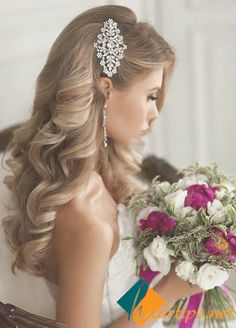 Long Hairstyles for Popular Hair Accessories