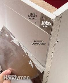 Improve your drywall taping skills and increase your speed with these taping tips. They'll help you achieve invisible joints and perfectly smooth walls. Drywall Tape, Drywall Repair, Drywall Corners, Home Building Tips, Building A House, Hanging Drywall, Drywall Finishing, Gypse, Drywall Installation