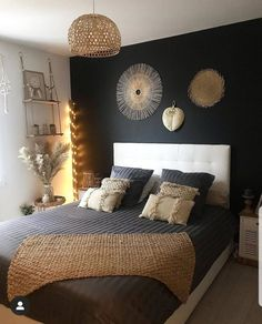 "1,672 mentions J'aime, 35 commentaires - Amélie (@ameliedeco4all) sur Instagram : ""🖤🖤 on aime 🖤🖤 . Credit photo @deco_orane 🖤🖤 . #bedroom #chambre #bedroomdecor #bedroomdesign…"""