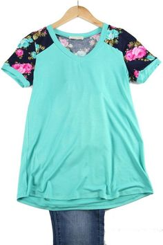 Floral Mix V-Neck Tee - Paige & Reece