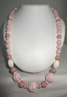 """VINTAGE ESTATE 28"""" SHADES OF PINK LUCITE BEADED NECKLACE"""