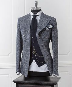 Wonderful double breasted jacket and vest by Tagliatore (fall - winter Great Neapolitan tradition Wedding Dress Men, Wedding Suits, Sharp Dressed Man, Well Dressed Men, Mens Fashion Suits, Mens Suits, Suit Men, Cool Winter, Estilo Cool