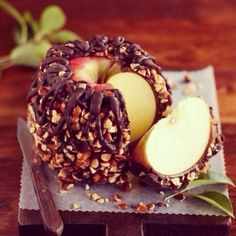 Appel - dark chocolat cover - nuts