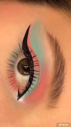 Makeup Eye Looks, Eye Makeup Art, Natural Eye Makeup, Eyebrow Makeup, Eyeshadow Makeup, Makeup Eyes, Natural Hair, Creative Eye Makeup, Colorful Eye Makeup