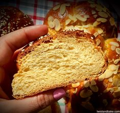 Sweets Recipes, Cake Recipes, Desserts, Tsoureki Recipe, Greek Dishes, Cauliflower Soup, Sweet Bread, Food Photo, Baking