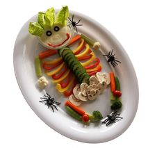 Who said Halloween was all about orange & black? Our Mashup of the Day is a healthy mix of colorful veggies and spooky Halloween! Healthy Halloween Treats, Holiday Treats, Holiday Recipes, Halloween Desserts, Party Treats, Holiday Parties, Holiday Fun, Festive, Healthy Kids