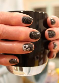 Hand Painted spider webs. Halloween Nails. Gel Polish. TruGel Toxic and Gelish Blak Shadow. ManiMondays: Some solids, a little Halloween AND Wedding Nails!