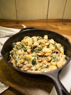 Gnocchi se špenátem a houbami – Kitchen Affair Holiday Recipes, Great Recipes, Healthy Recipes, Gnocchi, Canada Food Guide, Good Food, Yummy Food, Main Meals, Italian Recipes