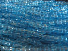 SOL GEL AQUA BLUE CUBE 2.6 x 2.6MM BEADS (195)
