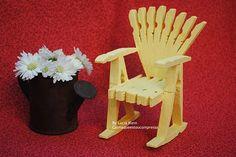 cadeira feita de pregadores de roupa. Credito =http://calmaqueestoucompressa.blogspot.com.br/2010/08/cadeira-feita-com-prendedores-passo.html