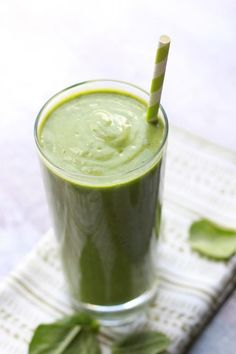 Delighted Momma: The Best Low Carb Green Smoothie (supposedly tastes like Lucky Charms!!!)