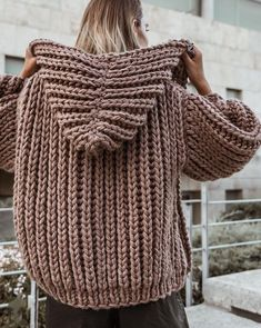 Handknit Hooded Chunky Cardigan Winter Autumn Trend | Etsy Knitwear Fashion, Knit Fashion, Hand Knitting, Knitting Patterns, Lace Socks, Hoodie Pattern, Chunky Cardigan, Chunky Knitwear, Mode Outfits