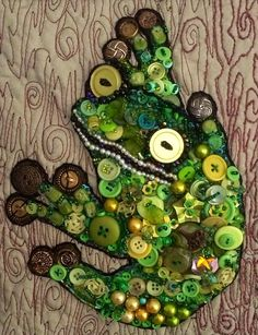 Fiber Obsession: Tree frog made from buttons and beads by Jane B. Broaddus