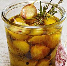 Quand vous aurez utilisé toutes les gousses, vous pourrez récupérer l'huile parfumée à l'ail pour cuire vos plats. Cette recette est pour 1 bocal.