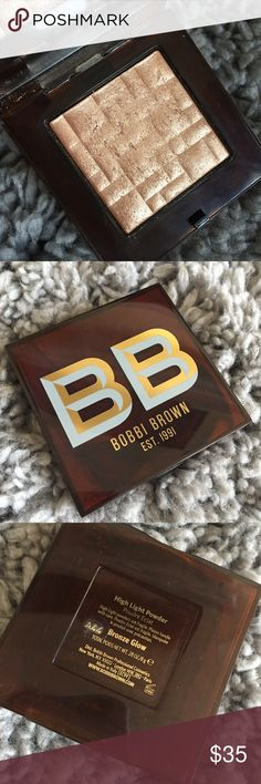 Bobbi Brown Bronze Glow Shimmer Brick Limited Edition Bobbi Brown Bronze Glow Shimmer Brick. Bobbi's artists use this on J.Lo and other celebrities. Used 2-3 times    Tags celebrity makeup Bobbi brown makeup Highlight Bronze Highlight Glow Shimmer Brick glow kit Bobbi Brown Makeup Luminizer