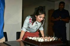 Zaira Wasim celebrates her birthday with Secret Superstar director Advait Chandan Hottest Young Actresses, Zaira Wasim, 2017 Photos, Indian Film Actress, Celebs, Celebrities, Dory, Superstar, Most Beautiful