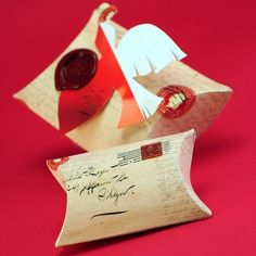 Gorgeous Valentine Pillow box idea---I have this die from Stampin Up!