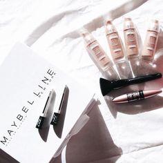 Wallpapers glamour per smartphone e tablet Mascara, Eyeliner, Veronica, Maybelline, Lipstick, Makeup, Beauty, Instagram, Smartphone