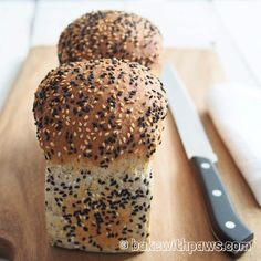 - Shokupan Japanese Soft White Bread - yudane-methode = scalding flour,- with boiling water for a better texture and stay fresher longer, flour can hold more water/fluids, - methode using in scandinavia/northern europe too refers to as scalding Spelt Bread, Bread Bun, Sourdough Bread, Overnight Bread Recipe, Bread Recipes, Baking Recipes, Healthy Summer Snacks, Flavored Butter, Muffins