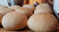 Viki Egyszerű Konyhája: A legfinomabb pihe-puha zsömle Minden, Bread, Vegan, Food, Brot, Essen, Baking, Meals, Breads
