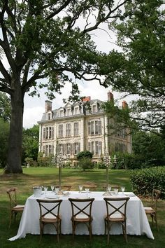 Table setting outside a French chateau - France Beautiful Homes, Beautiful Places, Simply Beautiful, French Chateau, Outdoor Dining, Old Houses, Manor Houses, My Dream Home, Future House